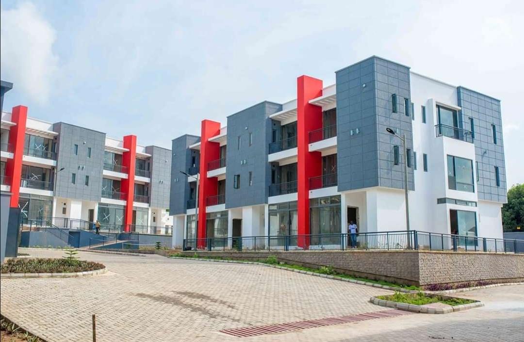 5 Bedroom Luxury Flats  located in Jericho GRA Ibadan